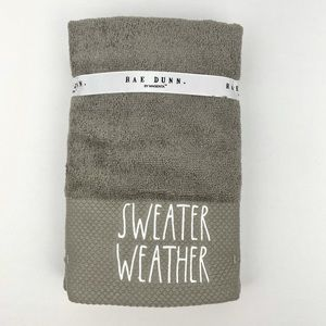 Rae Dunn Hand towels 2 pk SWEATER WEATHER